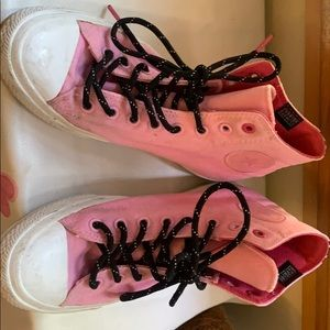 Cute pink converse hitops size 10 US in women's